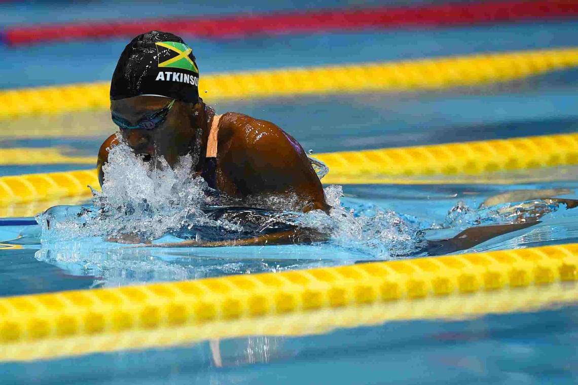Should breaststroke swimmers bench press?