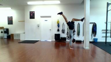 split stance handstand