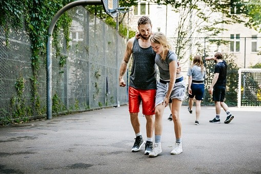 basketball knee injury